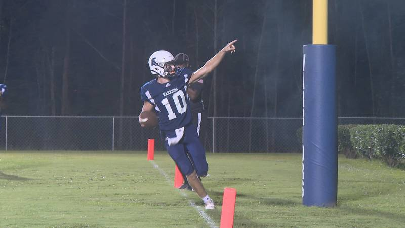 QB Michah Taylor had another big night as he had two rushing touchdowns before the half