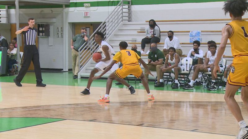 MCC men's basketball hosted Hinds Community College on Monday night to begin JUCO play.