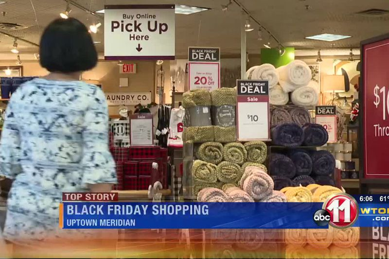 Shoppers flock to Uptown Meridian for Black Friday
