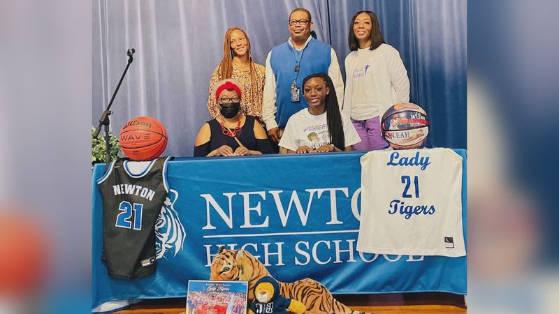 Ja'Leah Hickmon signs with Jackson State to continue playing basketball