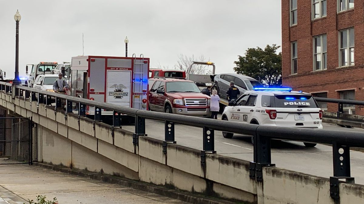 A police officer was hurt in a crash in downtown Meridian