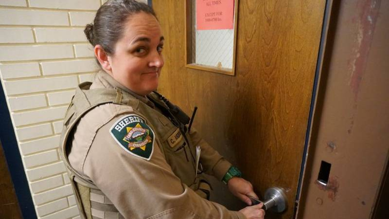Linn County Deputy Courtney Couch died in a weekend paddleboarding accident.