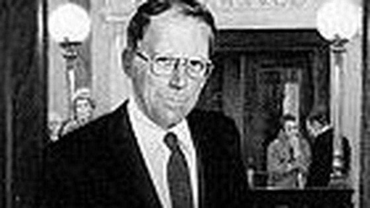 Gov. William Winter (Photo source: State of Mississippi)