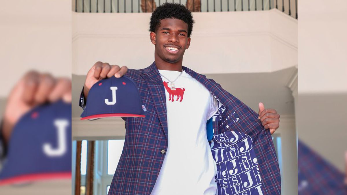 Four-Star QB Shedeur Sanders Joins Dad Deion Sanders at Jackson State University
