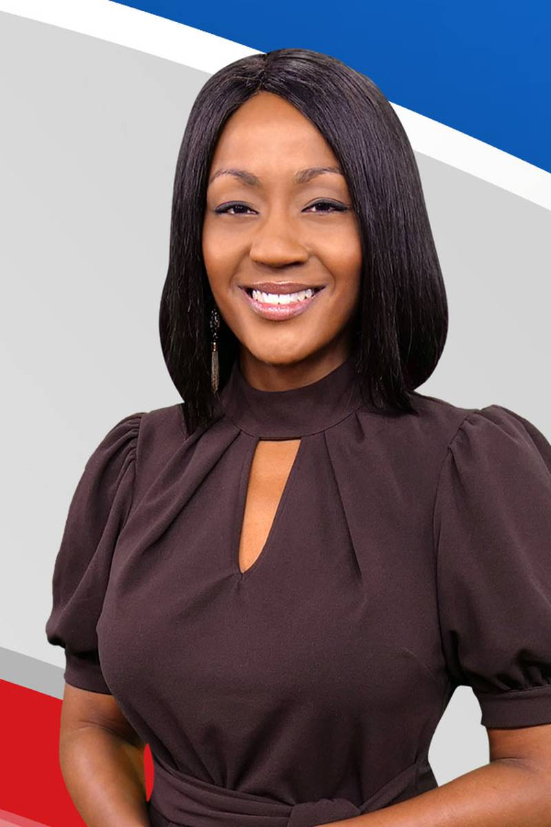 Headshot of Deitra McKenzie, Meteorologist / Reporter