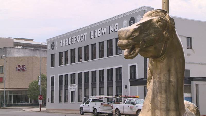 Meridian's Threefoot Brewery opens its doors to the public.