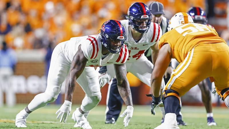Mississippi defensive lineman Sam Williams (7) plays against Tennessee during the first half of...