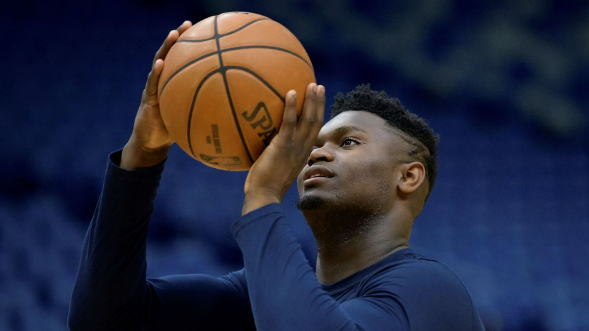 New Orleans Pelicans forward Zion Williamson (1) practices before an NBA basketball game...