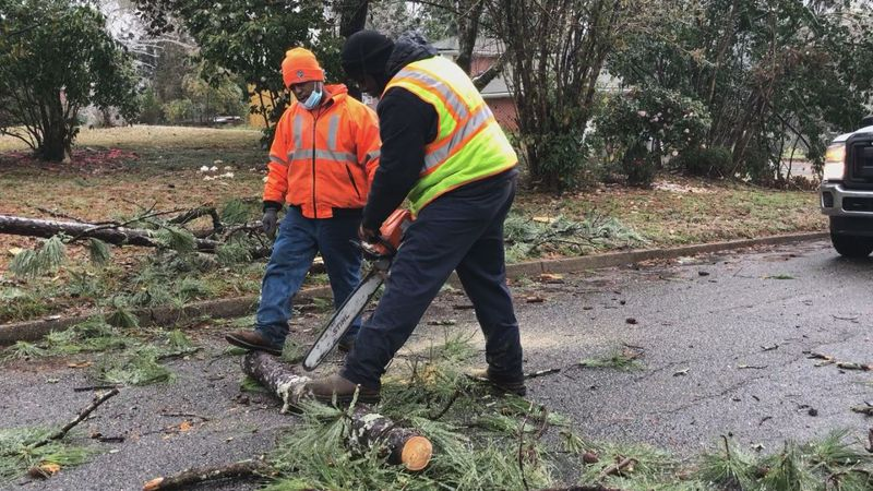 City of Meridian crews work to clear debris from 32nd Street.