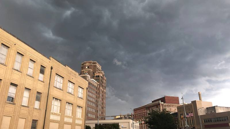 Severe thunderstorms roll through Meridian