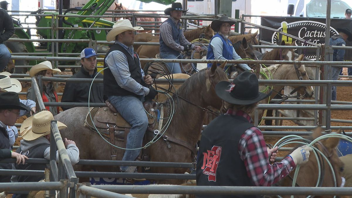 EMCC's Marcus Theriot prepares for calf tying during Friday's collegiate rodeo