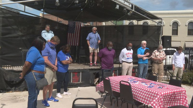 Mayoral candidates gathered at the Brickhaus Bar & Grill for another forum early Saturday to...