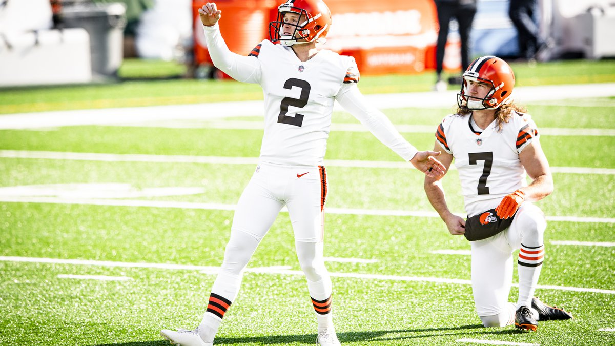 Kicker Cody Parkey (2) before a NFL football game between the Cleveland Browns and New York...
