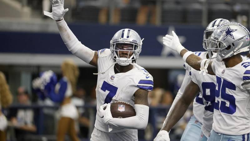 Dallas Cowboys cornerback Trevon Diggs (7), Nahshon Wright (25) and others celebrate Diggs...