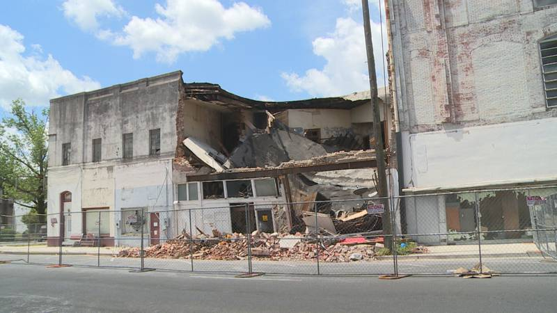 Collapsed building on 23rd avenue.