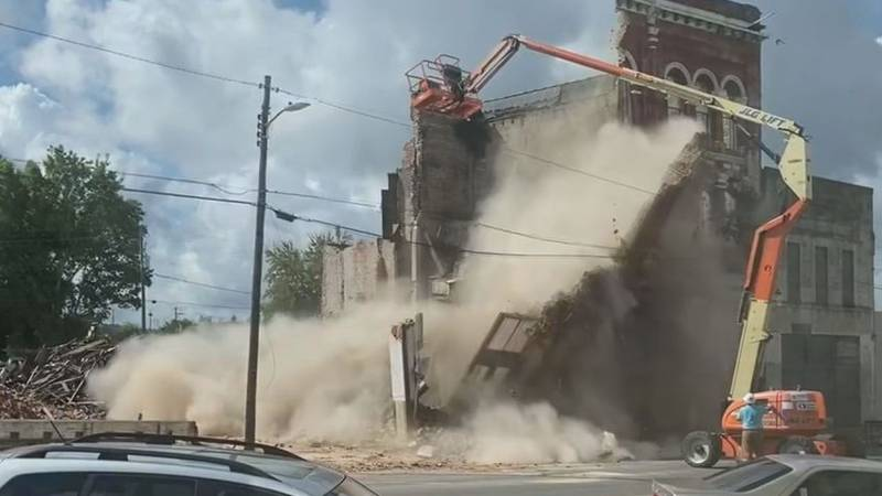 Portion of a building fell into the road during demolition
