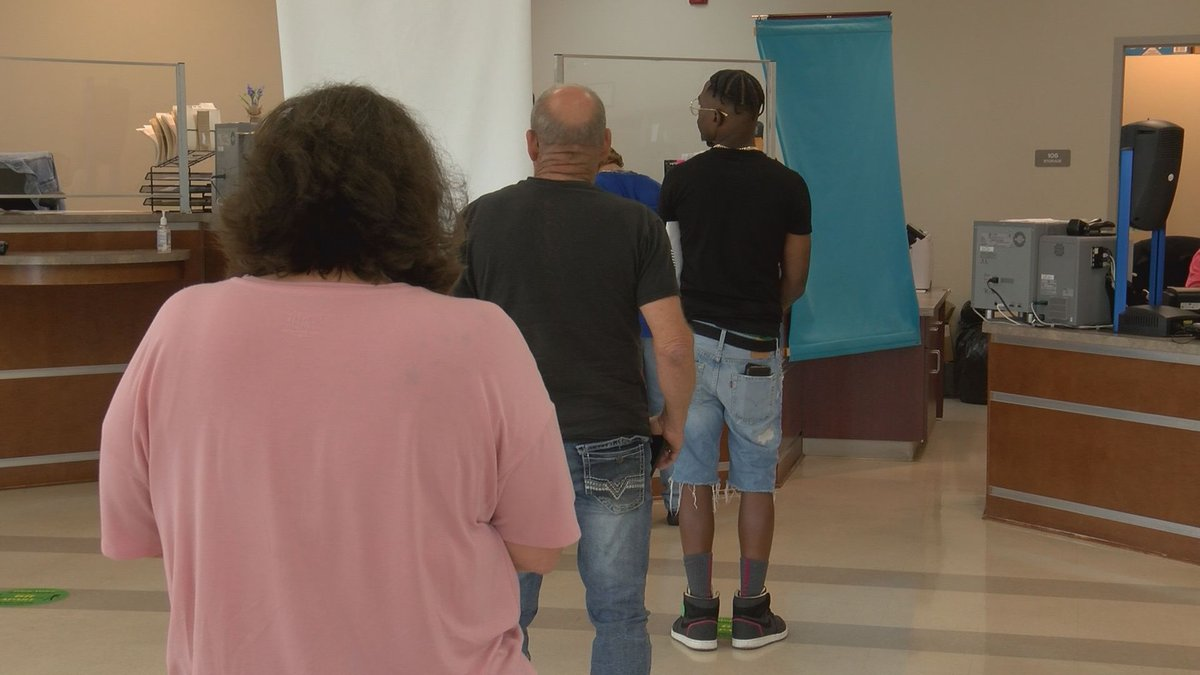 State leaders work to reduce DMV wait times
