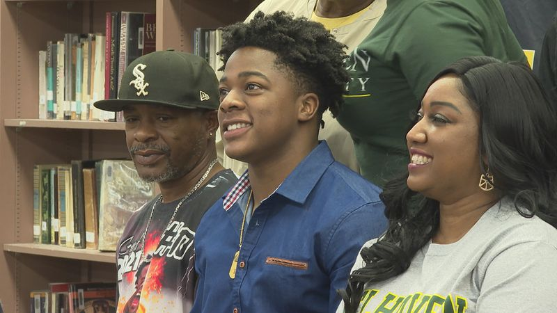 Union's Jaheim Gill signed with Belhaven University in Jackson on Thursday
